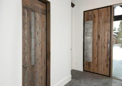Modern elements and rustic finished come together for a mountain modern style